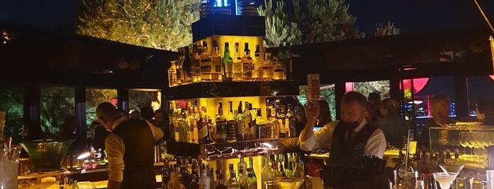 Sunset Grill & Bar is one of สถานที่ที่ Pınar ถูกใจ.