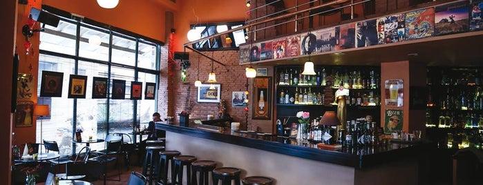 Καφέ Αρκούδα is one of Jazz bar.