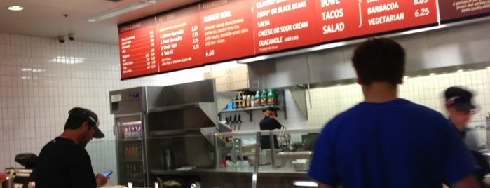 Chipotle Mexican Grill is one of Tyler W.さんのお気に入りスポット.