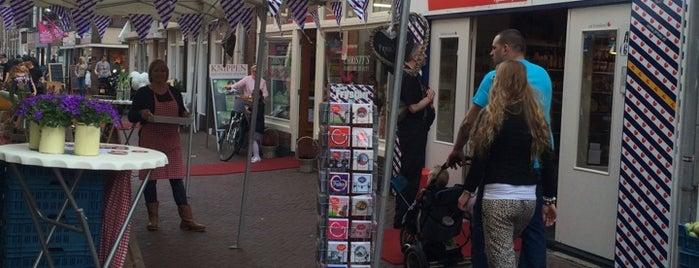 Priuw - De Friese Streekwinkel is one of Leeuwarden.