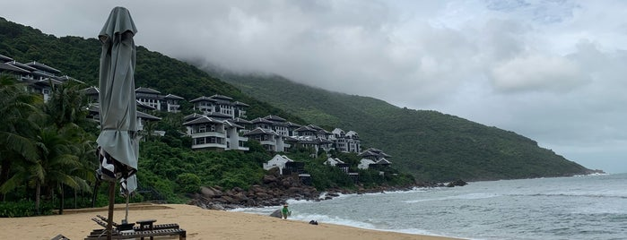 Intercontinental Danang Private Beach is one of Locais curtidos por Artemy.