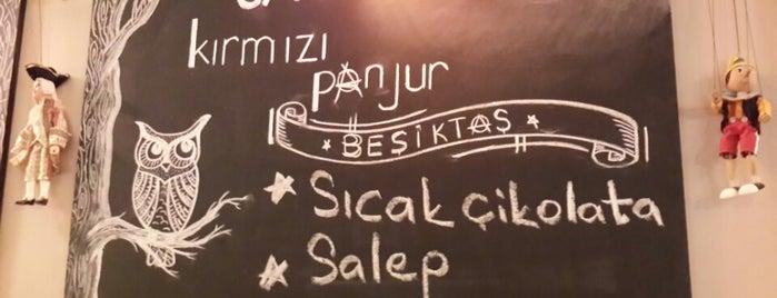Kırmızı Panjur is one of Alternatif Kafeler İstanbul.