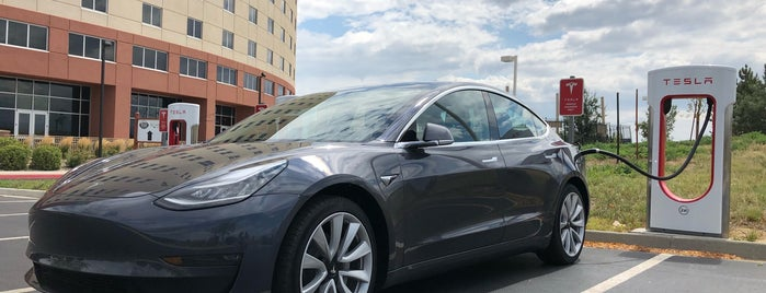 Tesla Supercharger Loveland is one of Lugares favoritos de Louis.