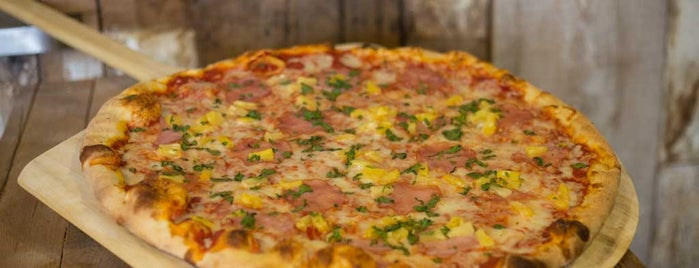 Giant Rustic Pizza is one of Orte, die Richard gefallen.