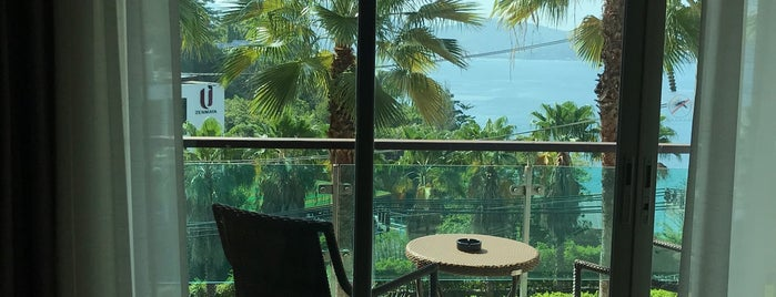 Wyndham Grand Phuket Kalim Bay is one of Serpil'in Beğendiği Mekanlar.