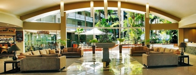 DoubleTree by Hilton Hotel Cairns is one of Tempat yang Disukai Nate.