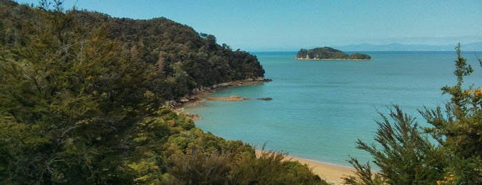 Abel Tasman Coast Track is one of Новая Зеландия.