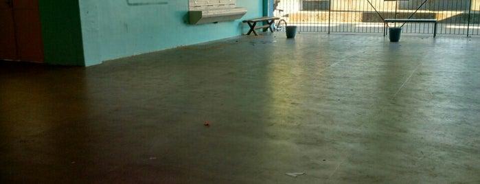 Escola Estadual Léa de Freitas Monteiro is one of Cidades... e lugares...