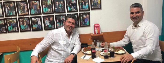 Uludağ Kebapçısı Cemal & Cemil Usta is one of Lieux qui ont plu à Onur.