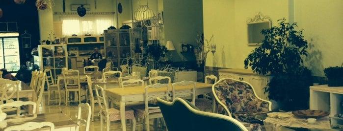 Elya Cafe is one of Gidilip görülmesi gereken mekanlar.