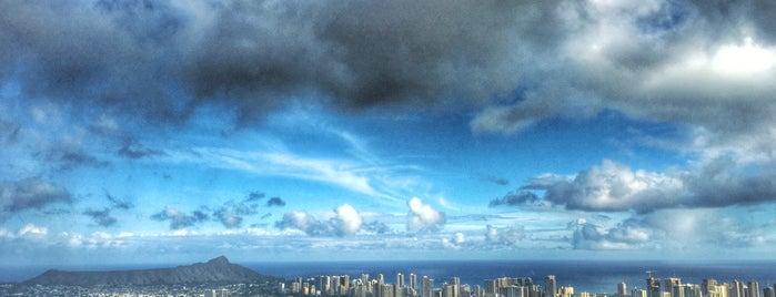 City of Honolulu is one of สถานที่ที่ Dennis ถูกใจ.