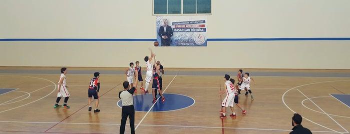 Mehmet Akif Ersoy Kapalı Spor Salonu is one of Posti che sono piaciuti a 🌜🌟hakan🌟🌛.