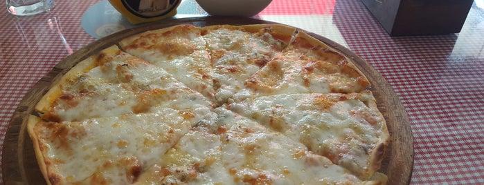 Pizza Napoli is one of Locais curtidos por 🌜🌟hakan🌟🌛.