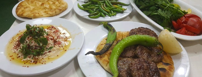 Cihat'ın Yeri Aksu Köfte Piyaz is one of Tempat yang Disukai 🌜🌟🌟hakan🌟🌟🌛.