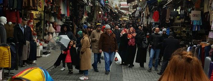 Tarihi Mahmutpaşa Çarşısı is one of Tempat yang Disukai 🌜🌟hakan🌟🌛.