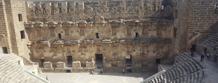 Aspendos Antik Tiyatrosu is one of 🌜🌟hakan🌟🌛 님이 좋아한 장소.