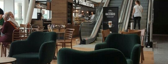 Starbucks is one of Lieux qui ont plu à 🌜🌟hakan🌟🌛.