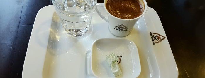 Kahve Sokağı is one of Tempat yang Disukai 🌜🌟hakan🌟🌛.