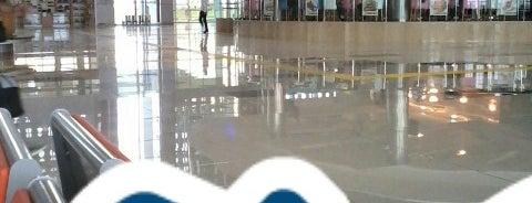 Balıkesir Koca Seyit Havalimanı (EDO) is one of สถานที่ที่ 🌜🌟hakan🌟🌛 ถูกใจ.
