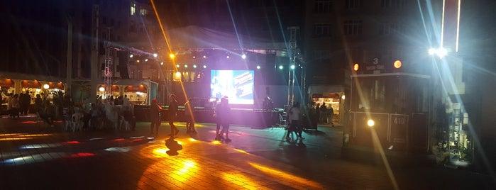 Beyoğlu Festival Heyecanı is one of Lieux qui ont plu à 🌜🌟hakan🌟🌛.
