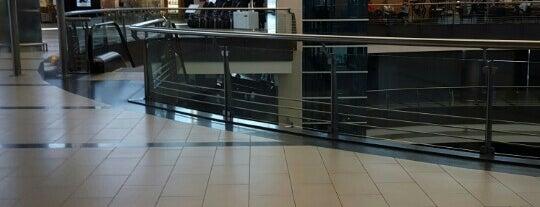 Dış Hatlar Terminal 2 is one of 🌜🌟hakan🌟🌛'ın Beğendiği Mekanlar.