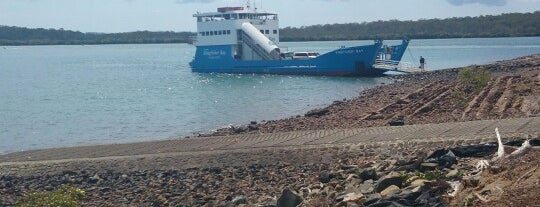 Kingfisher Barge is one of Australia.