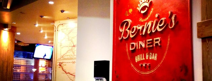 Bernie's Diner is one of A comer y a beber (2).