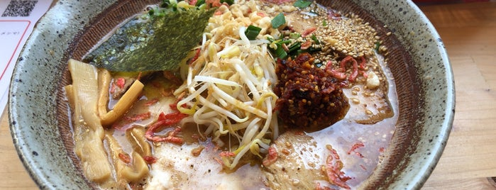 DORAGON FIRE (ドラゴンファイヤー) 皇寿麺 is one of ヤン 님이 좋아한 장소.