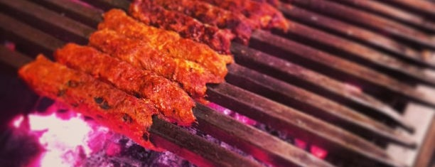 Ghalib Kabab Corner is one of Locais curtidos por Ali.