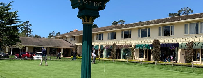 Rolex Clock at Pebble Beach is one of Michael 님이 좋아한 장소.
