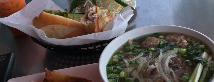 Pho Hue Oi is one of Eater/Thrillist/Enfactuation 3.