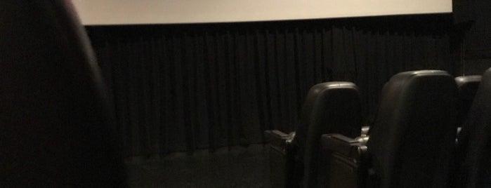 Bow Tie Cinemas Manhasset 3 is one of Cece: сохраненные места.