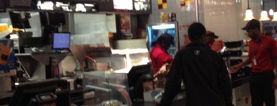 McDonald's is one of AtomicApril'in Kaydettiği Mekanlar.