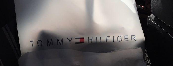 Tommy Hilfiger is one of Juanさんのお気に入りスポット.