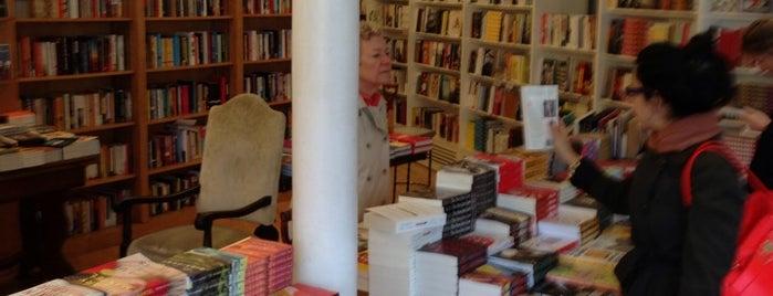 Greenlight Bookstore is one of Fort Greene Neighborhood Guide.