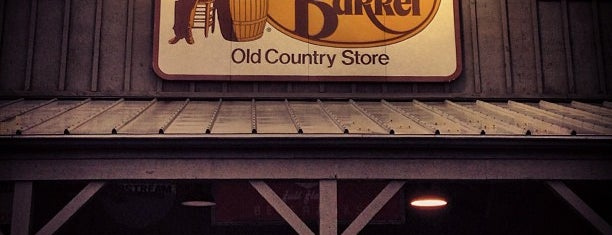 Cracker Barrel Old Country Store is one of Marcoさんのお気に入りスポット.