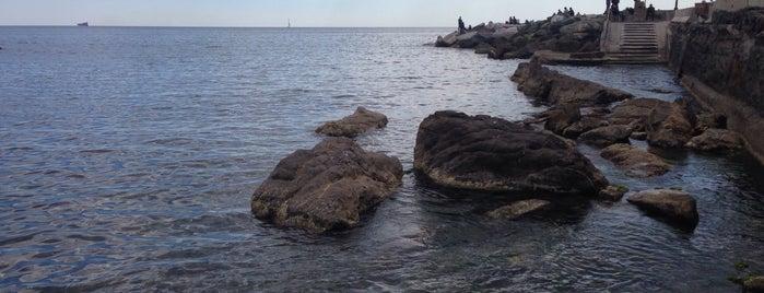 Spiaggia di Boccadasse is one of Posti che sono piaciuti a Dmitry.