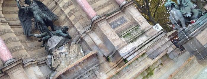 Fontana di Saint-Michel is one of Posti che sono piaciuti a Samet.