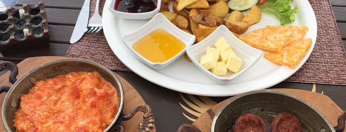 Meydan Grill Restaurant is one of Tempat yang Disukai Gizem.