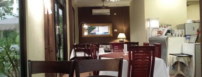 Santai @ Kuza & Luke Cafe is one of Сходить!.