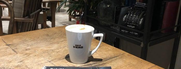 Caffè Nero is one of Yula : понравившиеся места.