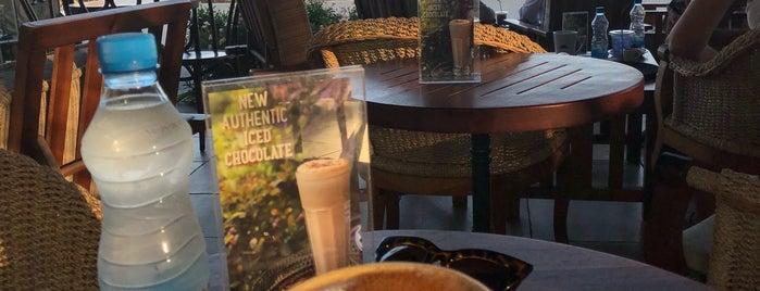 Caffè Nero is one of Lieux qui ont plu à Yula.
