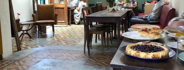 La Noire Café is one of Deli.