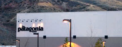 Patagonia Outlet Reno is one of Locais curtidos por Lily.