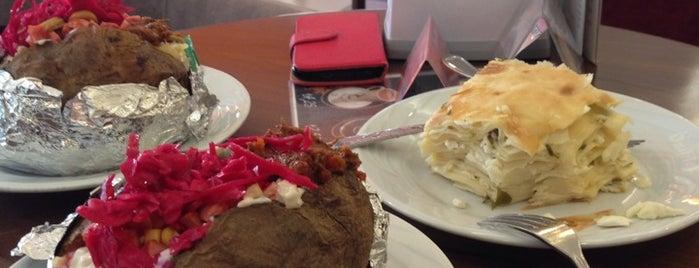 Özdilek Cafe & Restaurant is one of Posti che sono piaciuti a Gökhan.