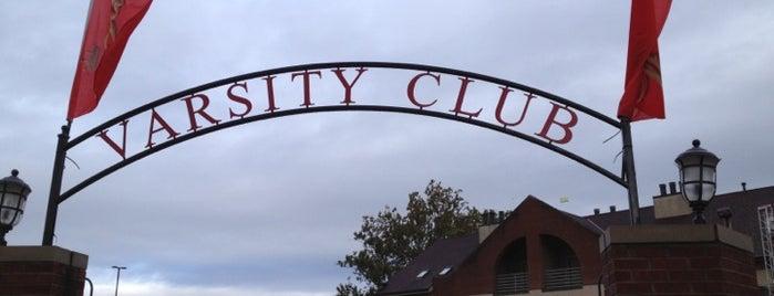 Varsity Club is one of Lieux qui ont plu à Marie.