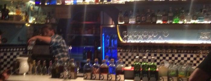 XIX Bar is one of Locais curtidos por Santiago.