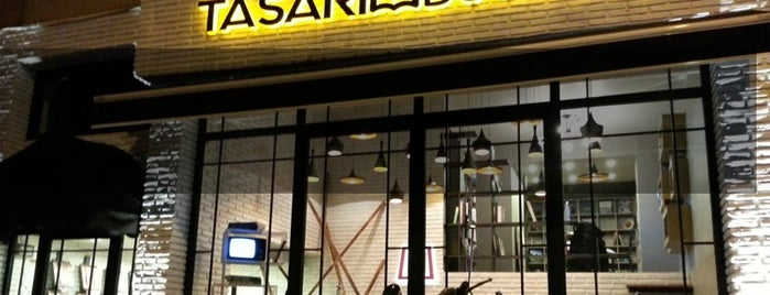 Tasarım Bookshop Cafe is one of İstanbul.