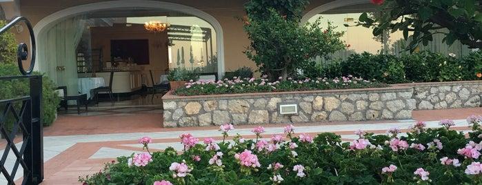 Hotel Luna Capri is one of Mesrure'nin Beğendiği Mekanlar.