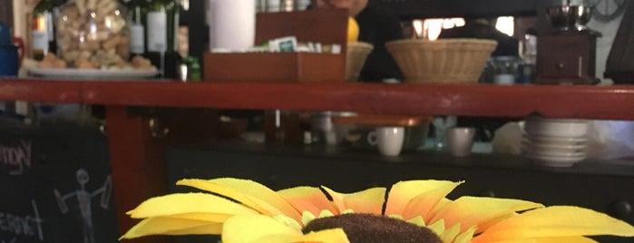 Bistro Yungay is one of Oferta gastronómica Quinta Normal & Barrio Yungay.